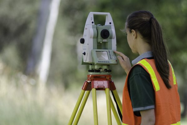 how to become a surveyor without a degree australia