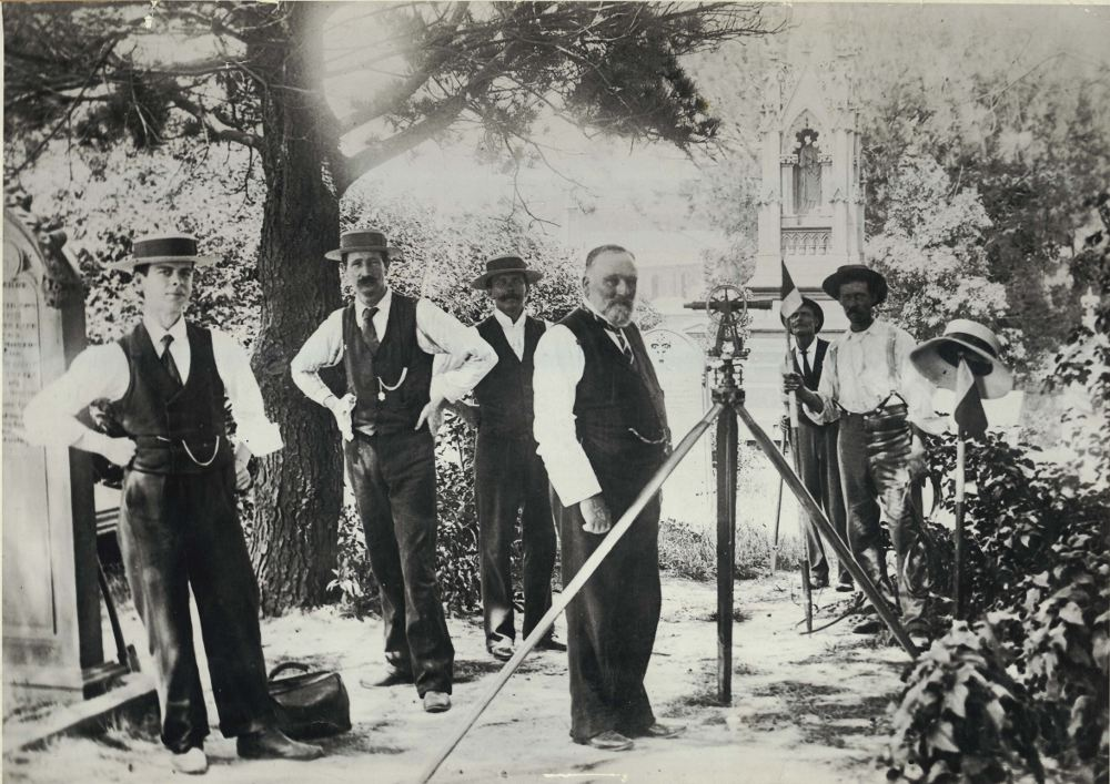 An Australian surveying team in December 1900.